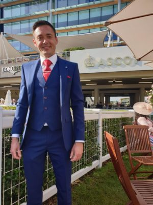 A perfect race day suit