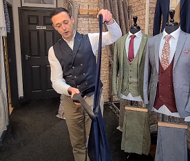 How to hang your trousers