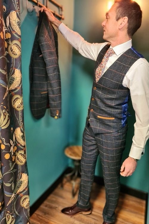 Marc Darcy – Eton Blue Check Tweed 3 Piece Suit